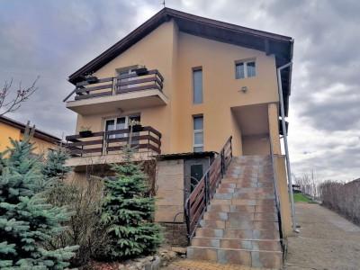 Casa individuala de vanzare in Dezmir, 250 mp utili+ 1798 mp teren !